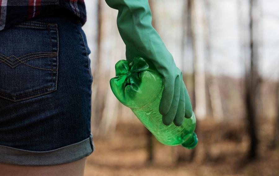 Una vita senza plastica: come costruire una coscienza ambientale?